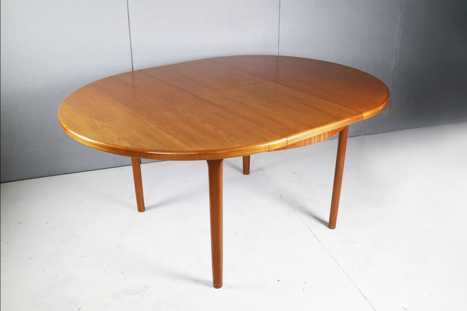 Mid-Century Expandable Dining Table By Mcintosh, 1970s For