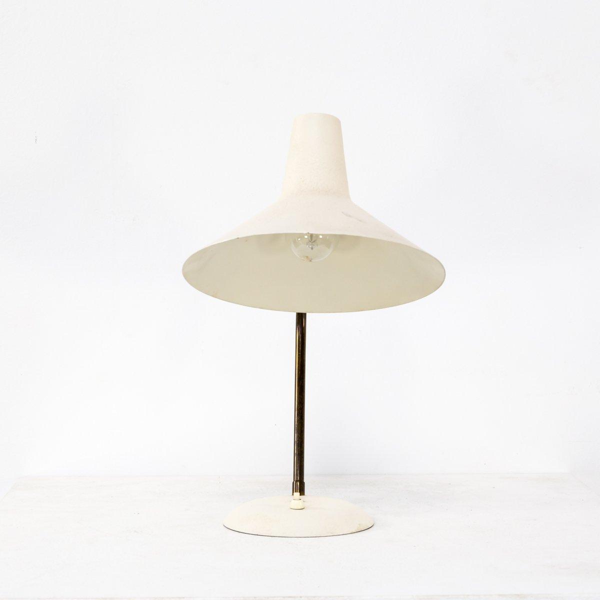 tischlampe aus wei e metall messing von sirius schweinfurt sis 1950er bei pamono kaufen. Black Bedroom Furniture Sets. Home Design Ideas