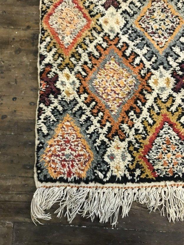 marokkanischer vintage berber beni ouarain shag langhaar wollteppich 1963 bei pamono kaufen. Black Bedroom Furniture Sets. Home Design Ideas