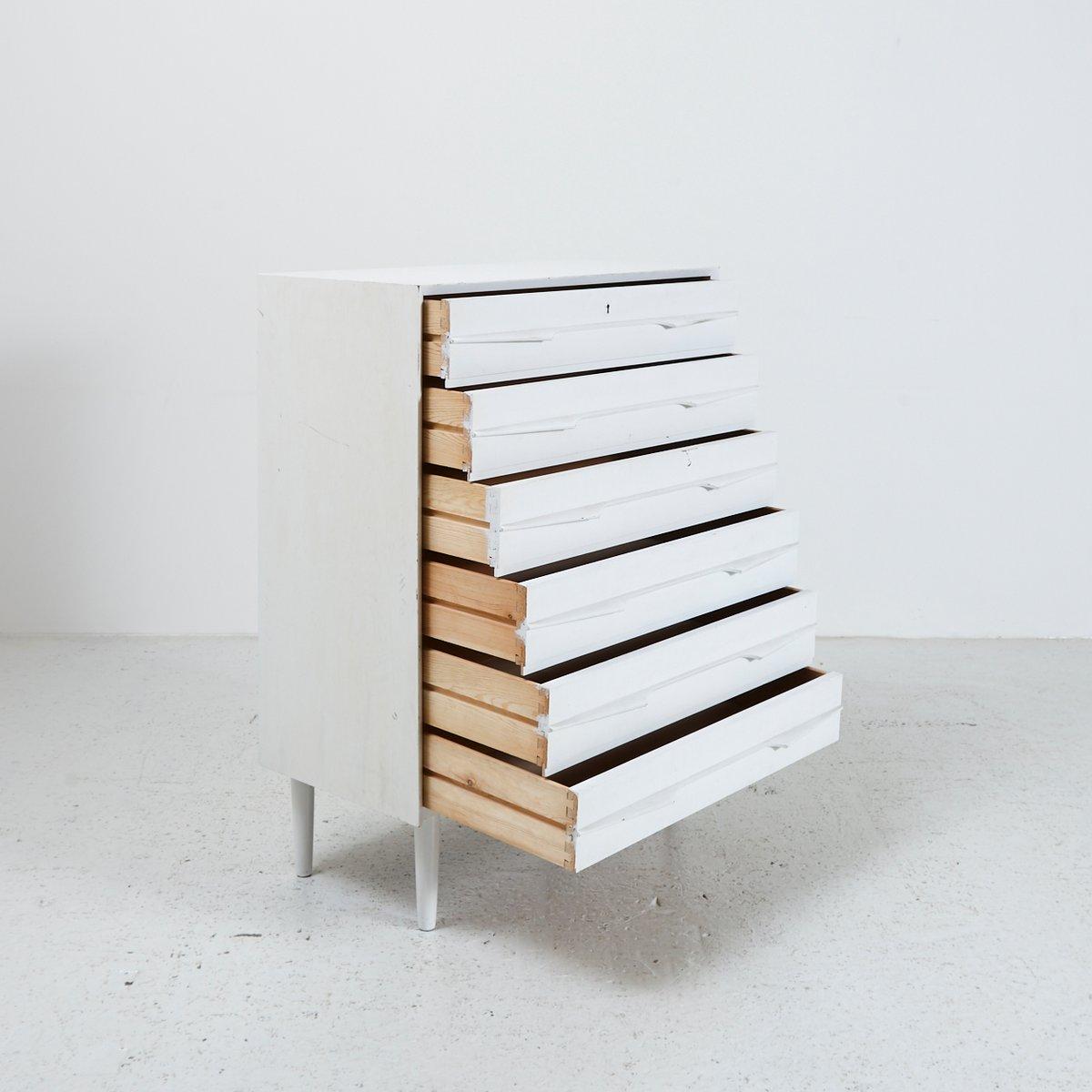 d nische wei e kommode mit sechs schubladen 1960er bei pamono kaufen. Black Bedroom Furniture Sets. Home Design Ideas