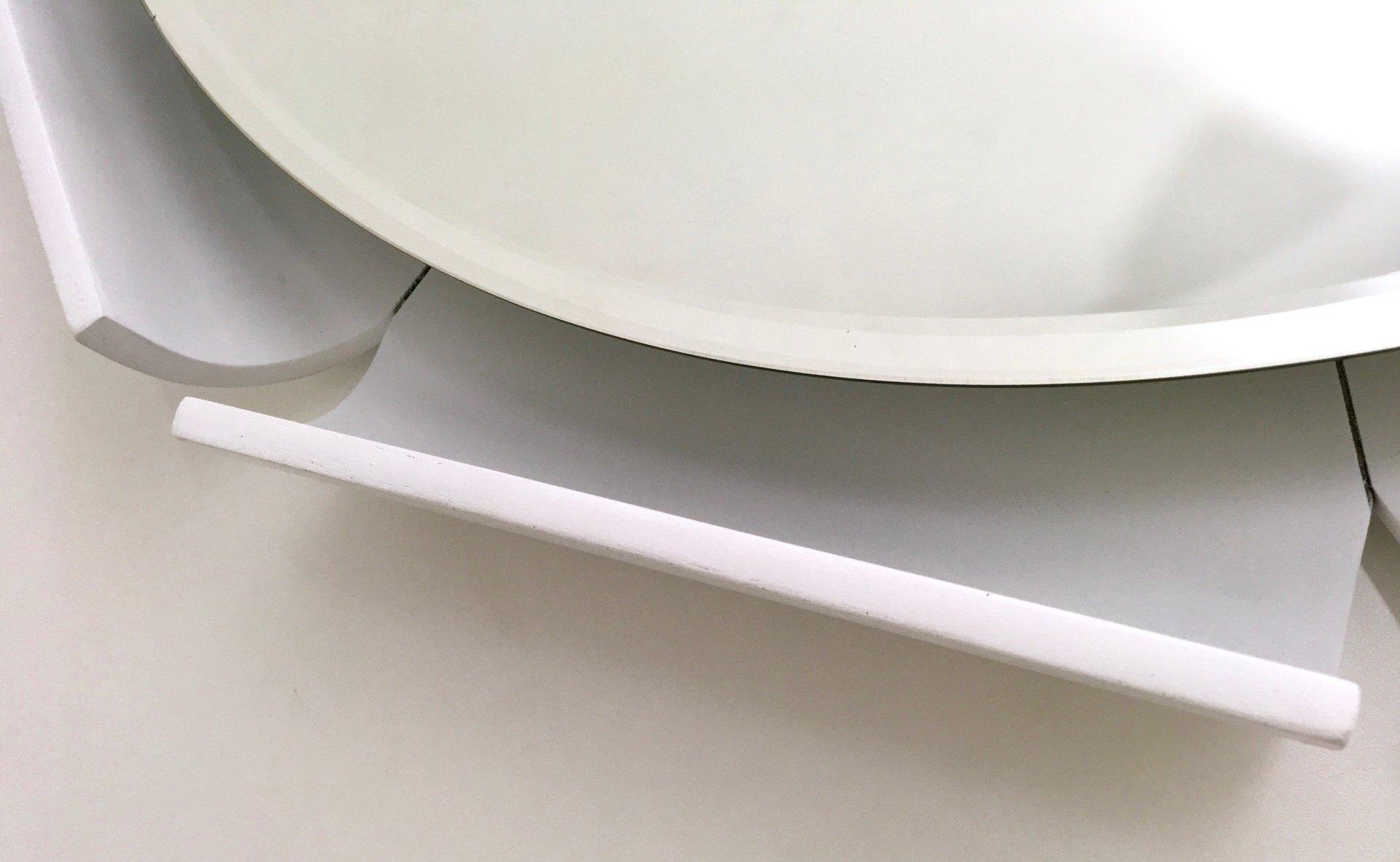 wei lackierter spiegel mit holzrahmen 1970er bei pamono kaufen. Black Bedroom Furniture Sets. Home Design Ideas