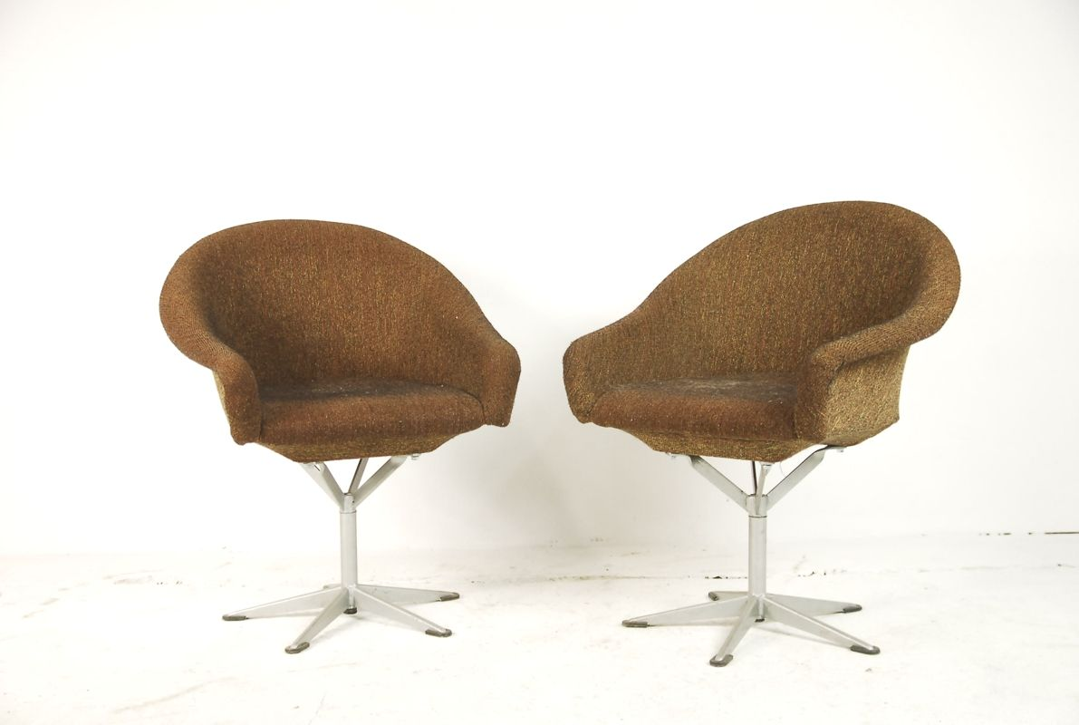 polnische drehbare polsterst hle 1960er 2er set bei pamono kaufen. Black Bedroom Furniture Sets. Home Design Ideas