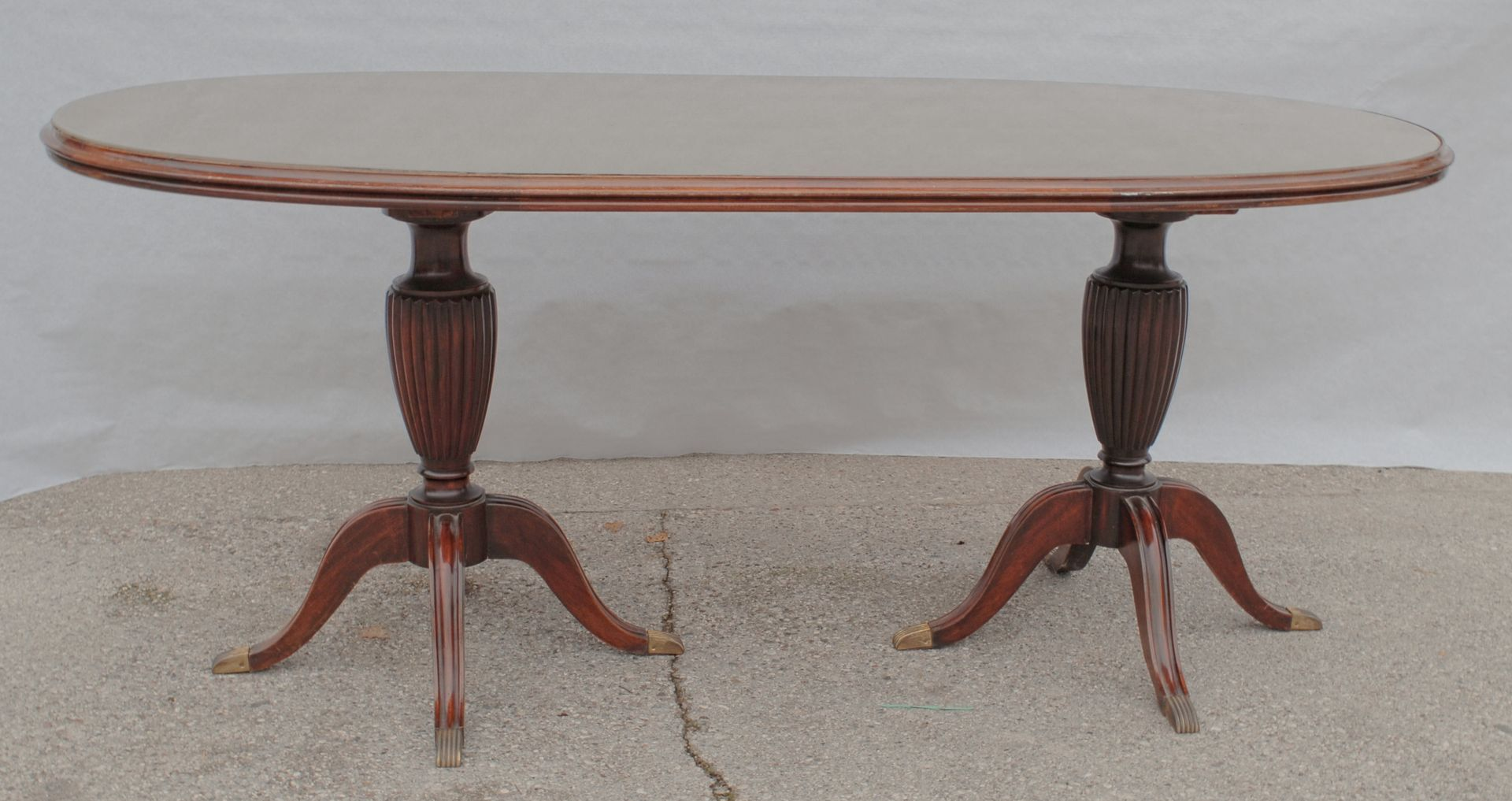 Vintage oval mahogany dining table for sale at pamono vintage oval mahogany dining table dzzzfo