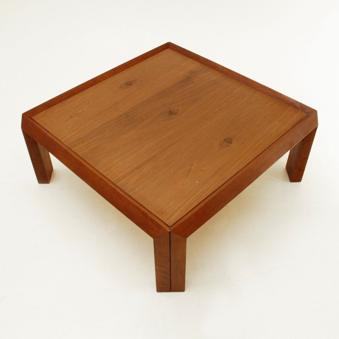 Italian square wooden coffee table 1980s for sale at pamono for Coffee tables square wood