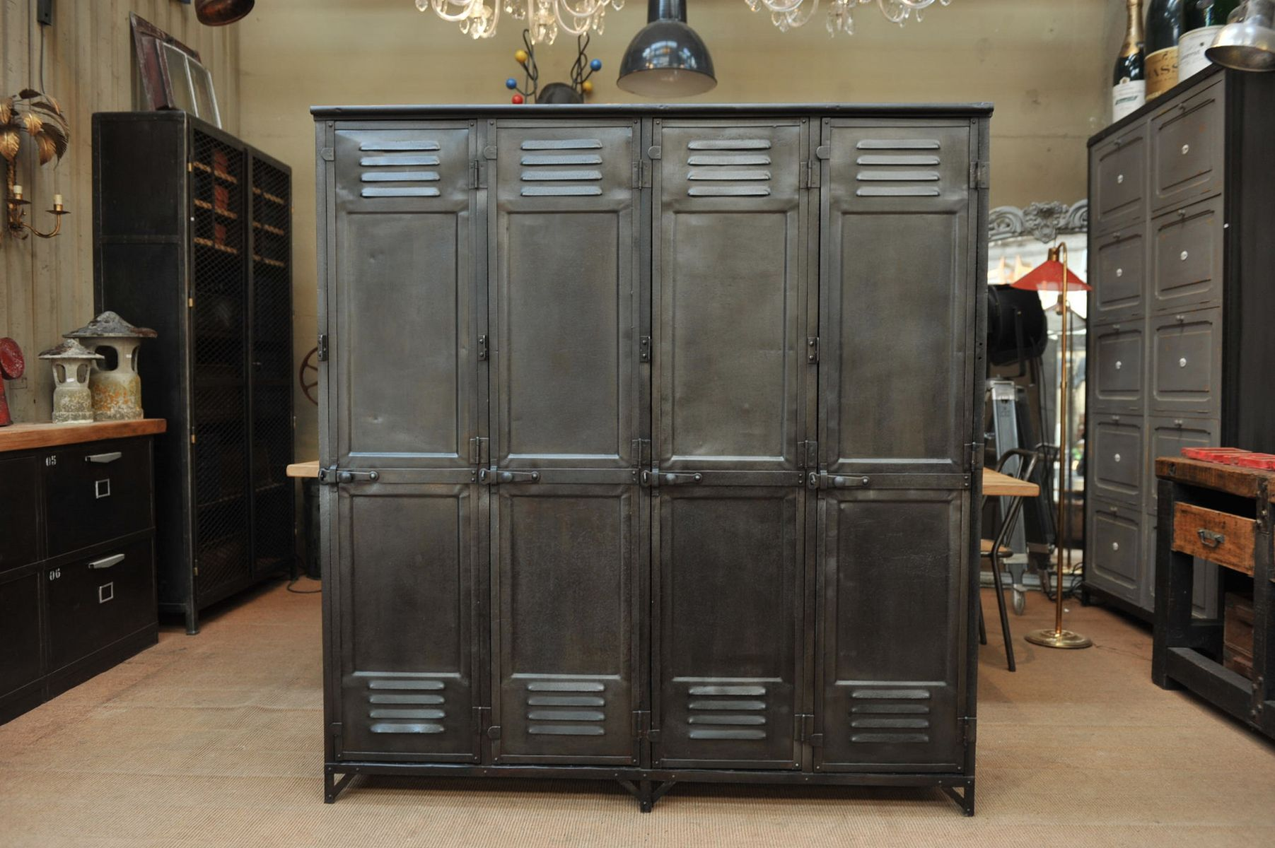 vintage metall spind reihe 1930er bei pamono kaufen. Black Bedroom Furniture Sets. Home Design Ideas