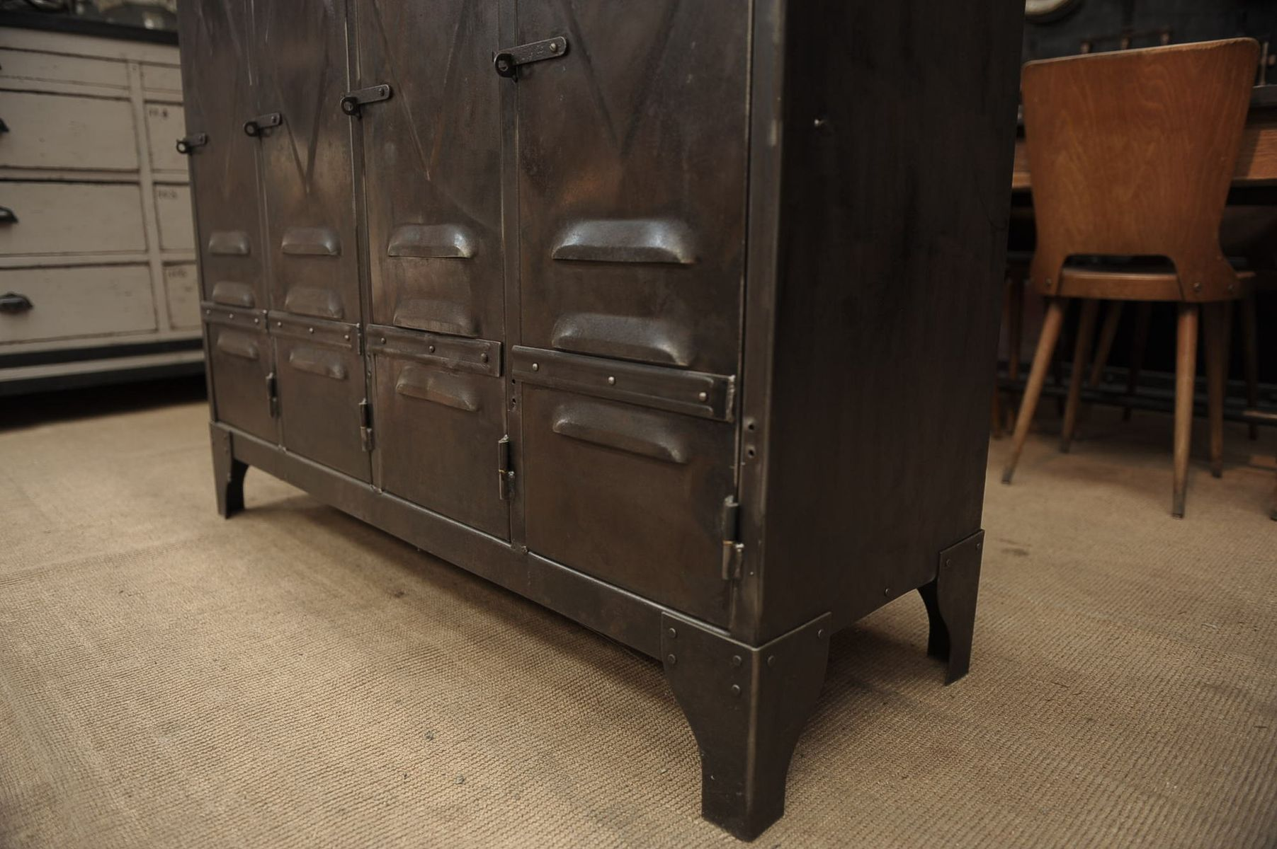 low industrial cabinet with 4 doors and solid oak top 1950s for sale at pamono. Black Bedroom Furniture Sets. Home Design Ideas