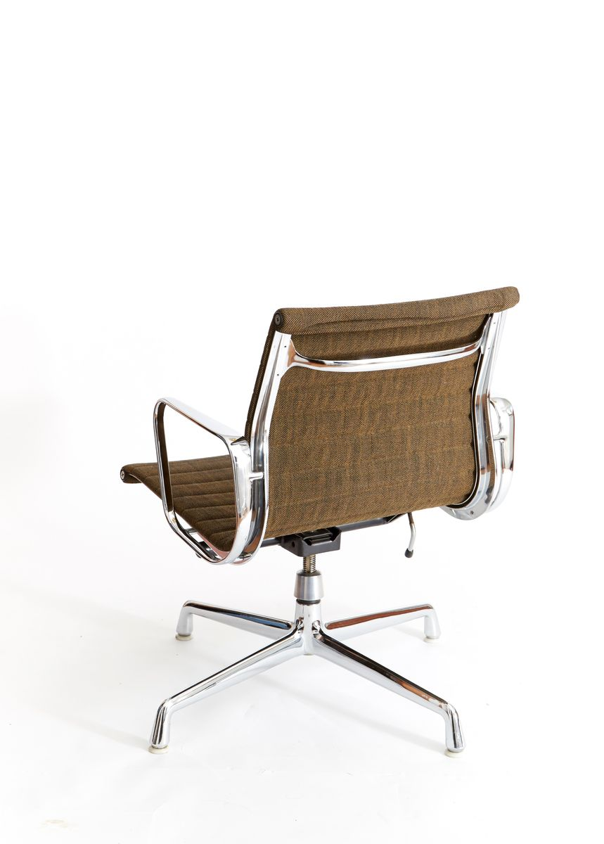 Ea 117 Office Chair By Charles Amp Ray Eames For Herman