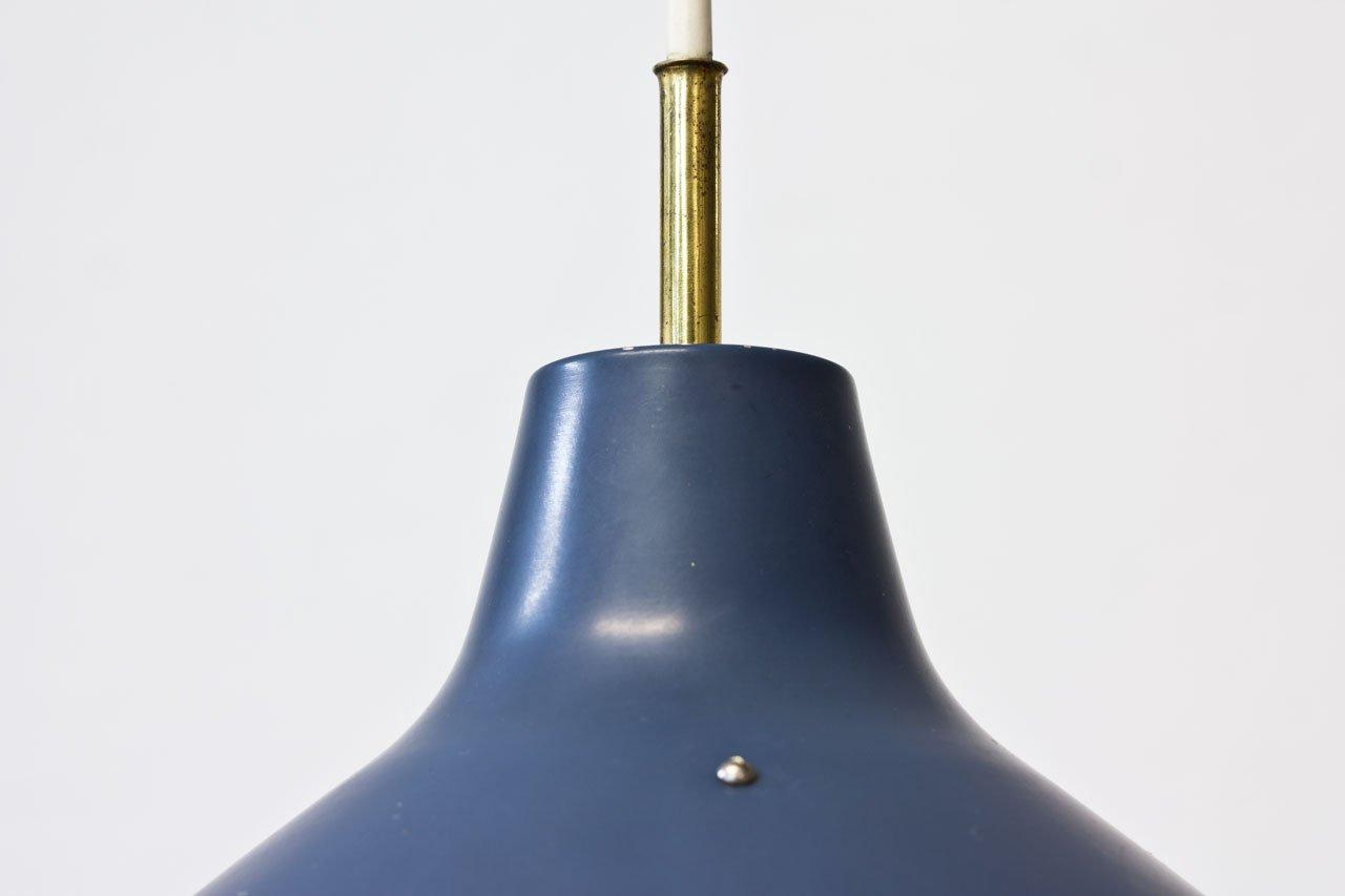 blau lackierte deckenlampe aus metall mit gegengewicht von. Black Bedroom Furniture Sets. Home Design Ideas
