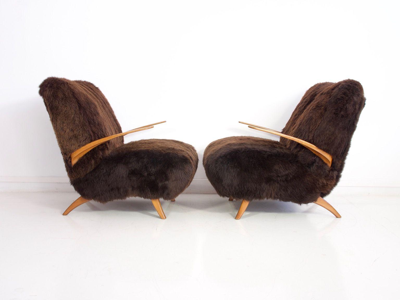 sessel aus holz und braunem schafsfell 1940er 2er set. Black Bedroom Furniture Sets. Home Design Ideas