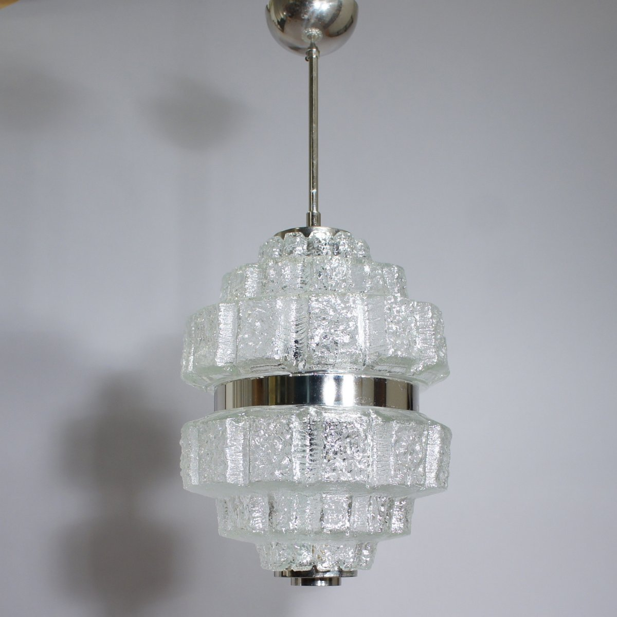 deckenlampe aus glas verchromten metall 1960er bei. Black Bedroom Furniture Sets. Home Design Ideas