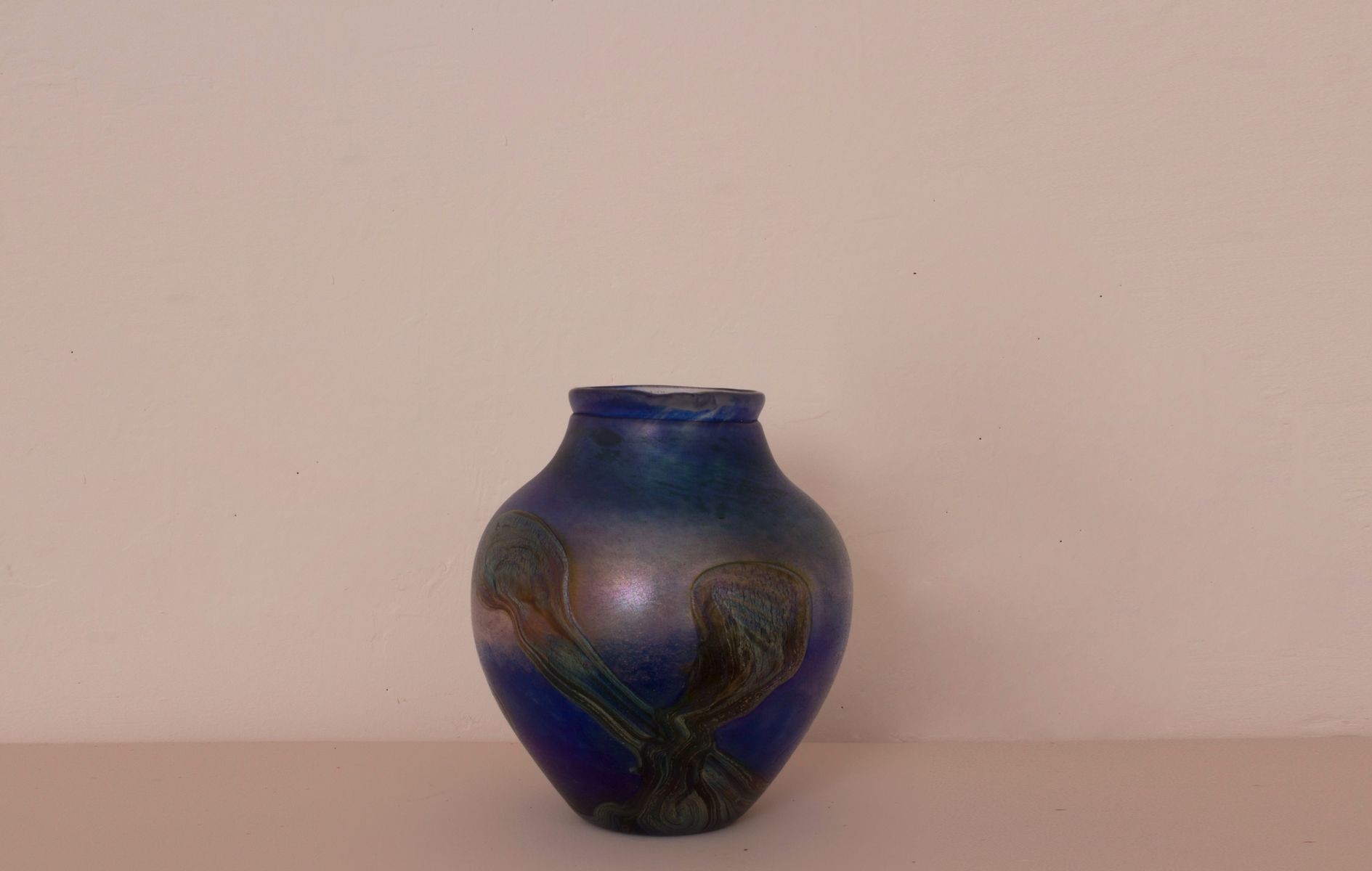 Vintage blue iridescent blown glass vase from jean claude novaro vintage blue iridescent blown glass vase from jean claude novaro 1984 for sale at pamono reviewsmspy