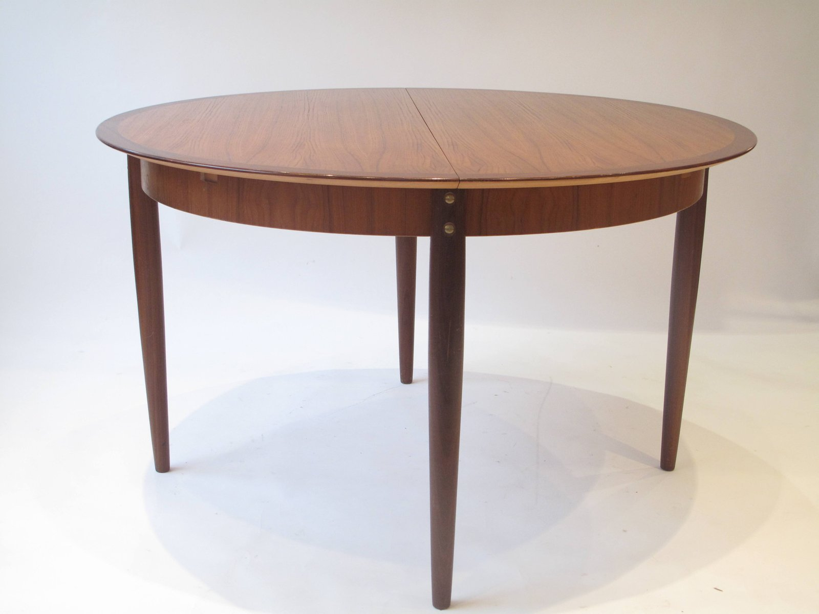 mid century french round dining table 1960s for sale at pamono. Black Bedroom Furniture Sets. Home Design Ideas