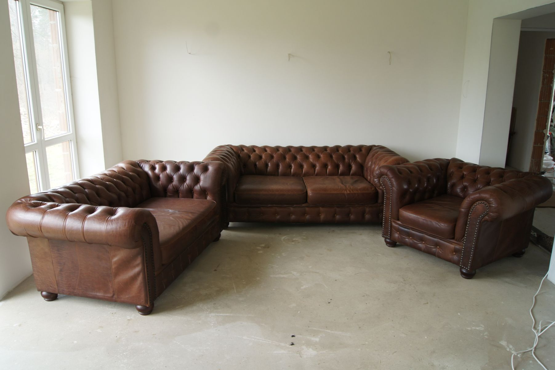 Chesterfield Leather Living Room Set, 1960s for sale at Pamono