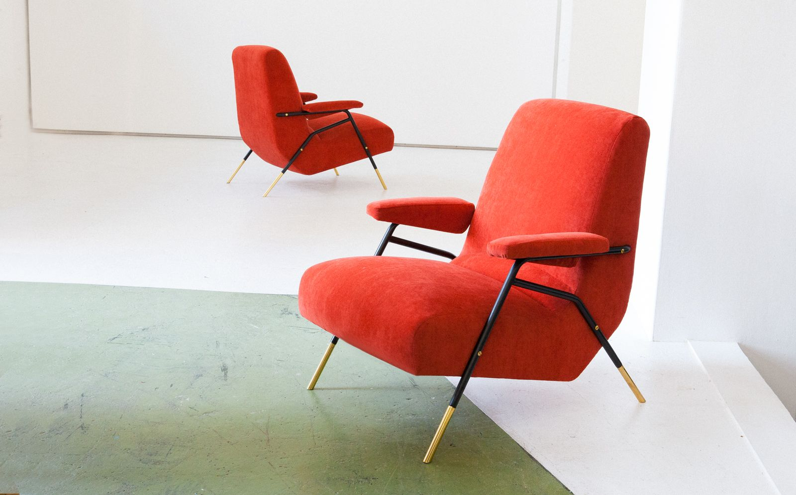Orange italienische mid century samt sessel mit rahmen aus for Sessel italienisches design