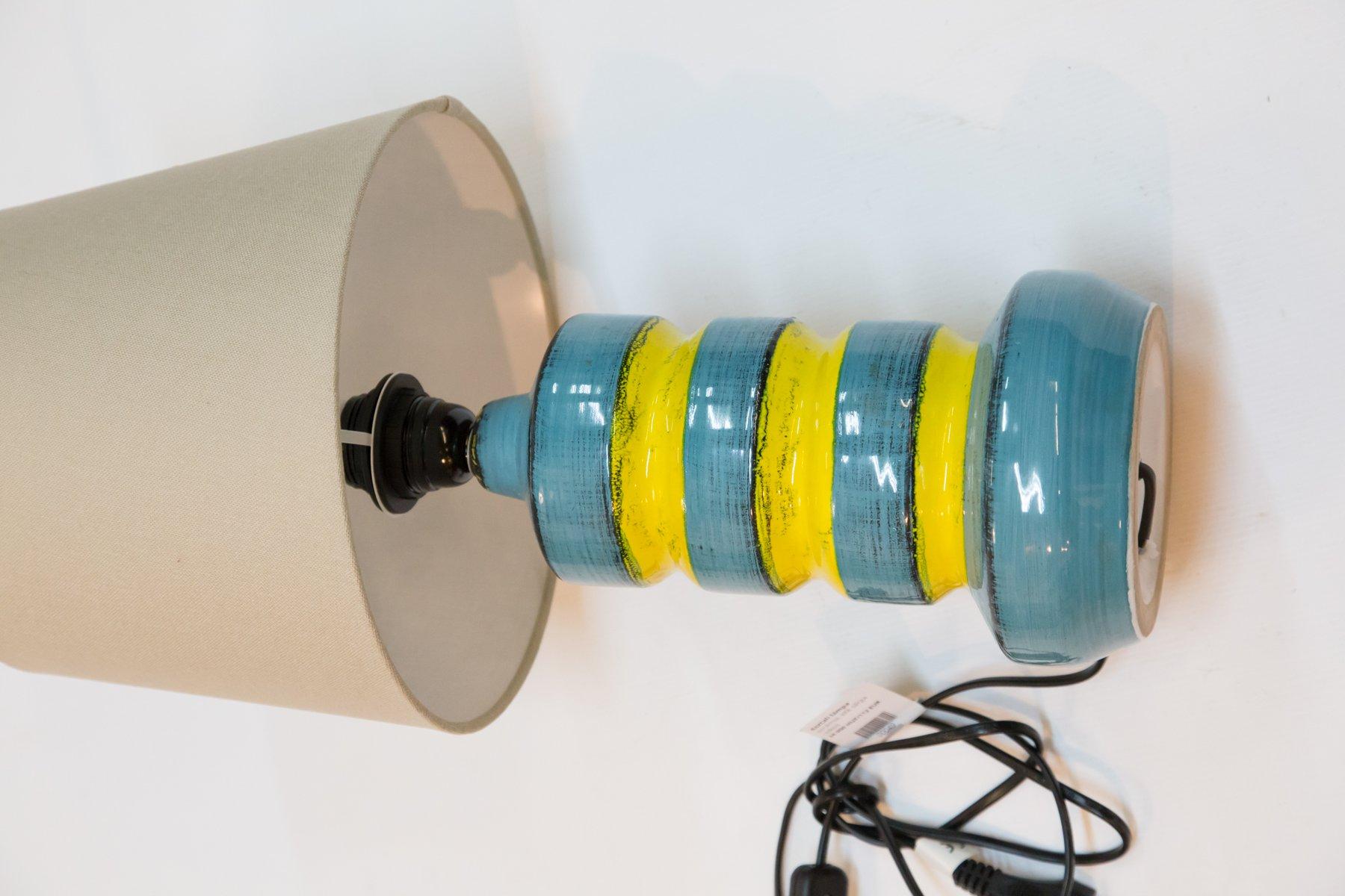 lampe de bureau en c ramique bleu jaune 1970s en vente sur pamono. Black Bedroom Furniture Sets. Home Design Ideas