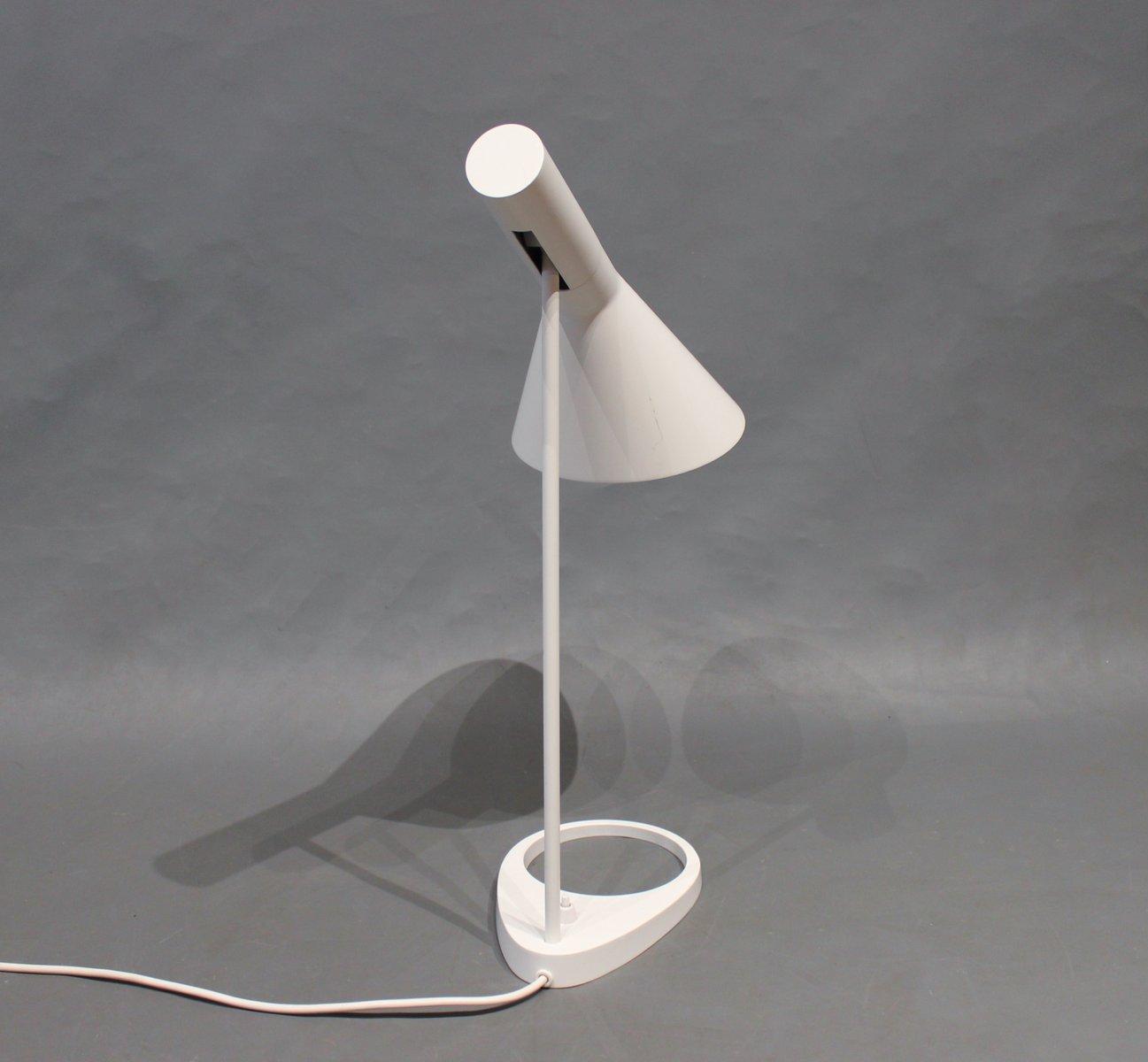 lampe de bureau blanche par arne jacobsen pour louis poulsen 1960s en vente sur pamono. Black Bedroom Furniture Sets. Home Design Ideas