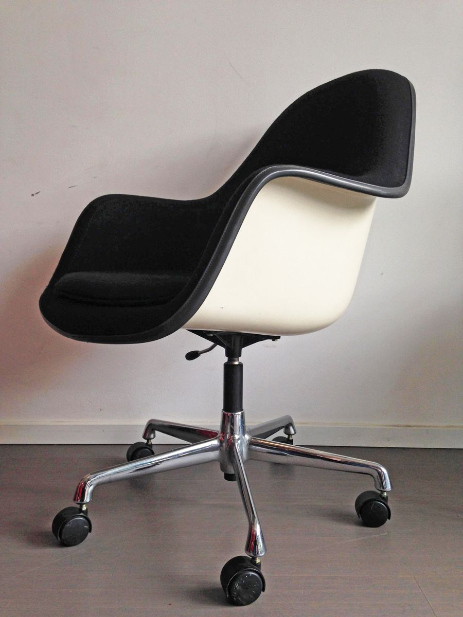 Vintage Fibreglass Adjustable Armchair By Charles U0026 Ray Eames For Herman  Miller