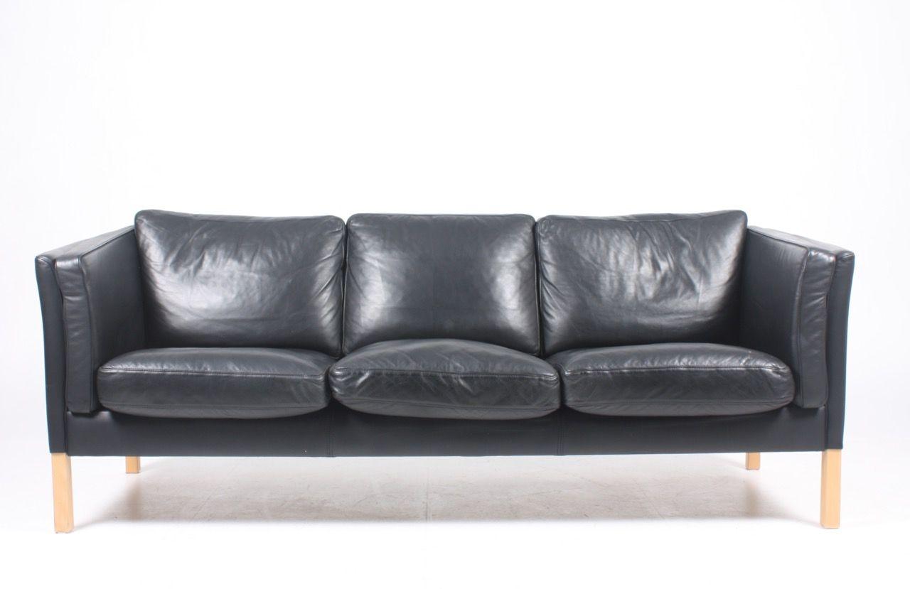 schwarzes d nisches leder sofa von stouby 1980er bei pamono kaufen. Black Bedroom Furniture Sets. Home Design Ideas