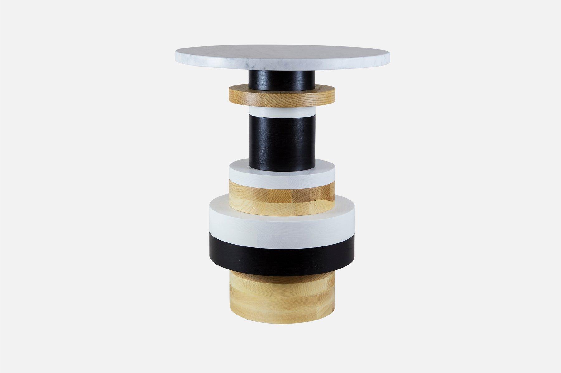 hoher sass beistelltisch mit marmorplatte von mpgmb f r. Black Bedroom Furniture Sets. Home Design Ideas