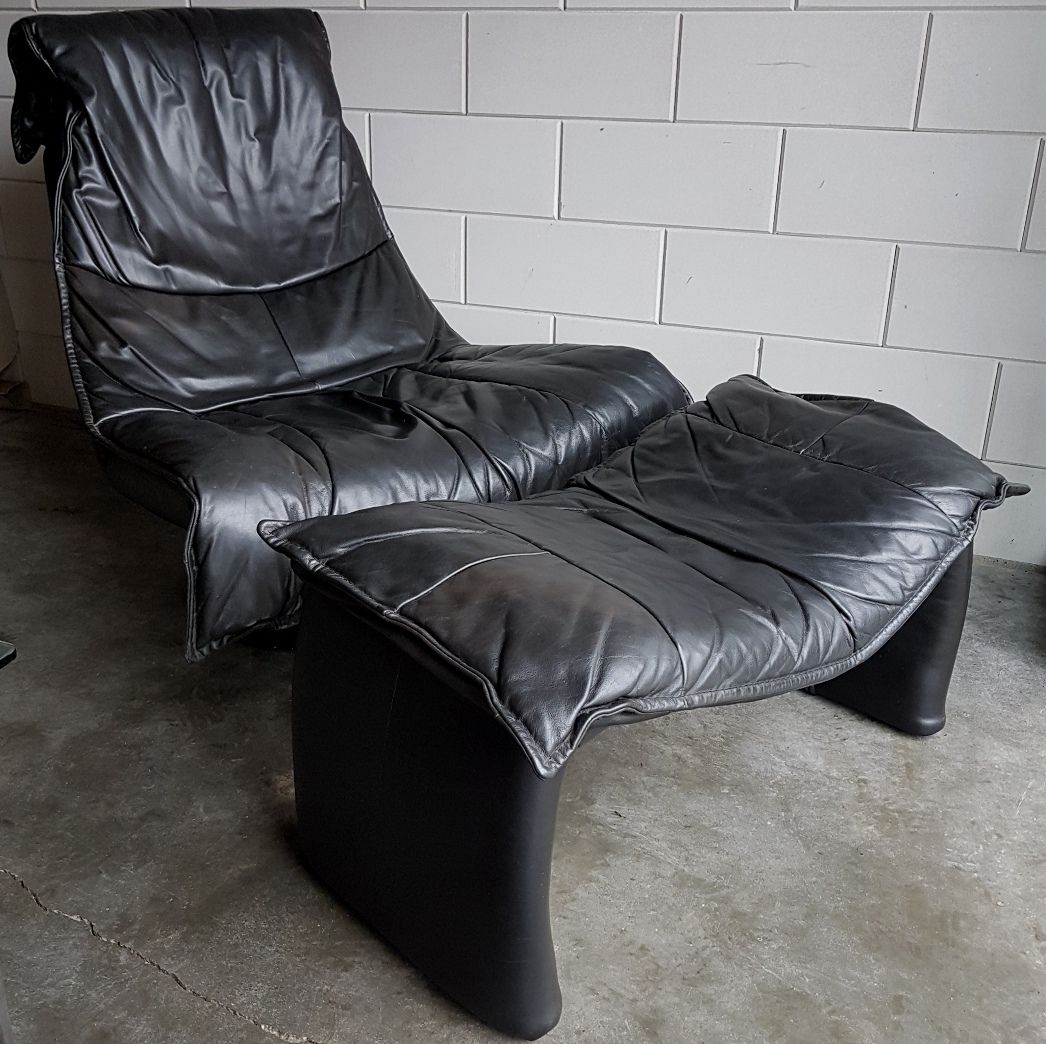 Vintage Large Black Leather Swivel Lounge Chair With