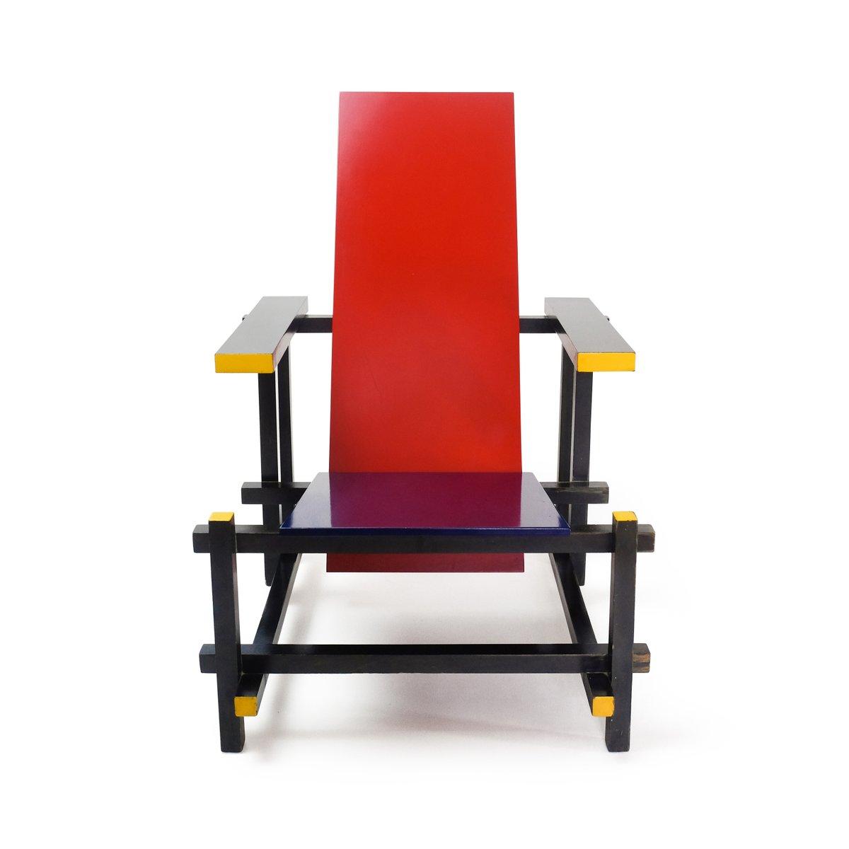 Rietveld Stuhl blue chair by gerrit rietveld for cassina 1970s for