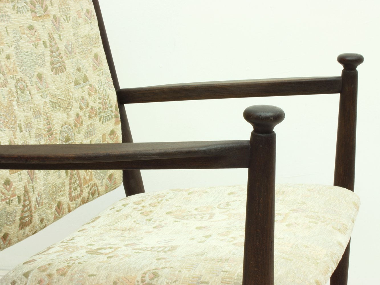 Dunkelbraun gebeizter schwedischer mid century for Schaukelstuhl dunkelbraun