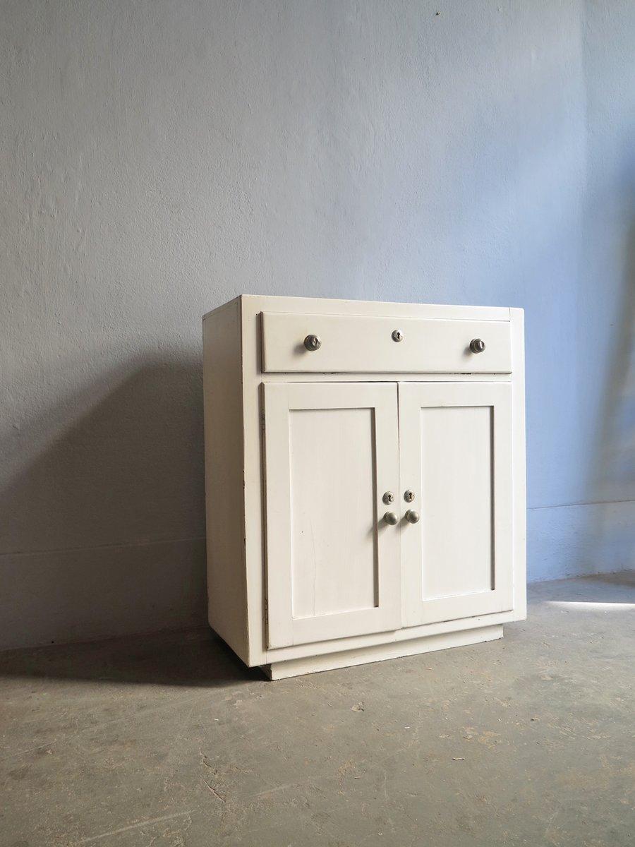 wei er vintage k chenschrank 1930er bei pamono kaufen. Black Bedroom Furniture Sets. Home Design Ideas