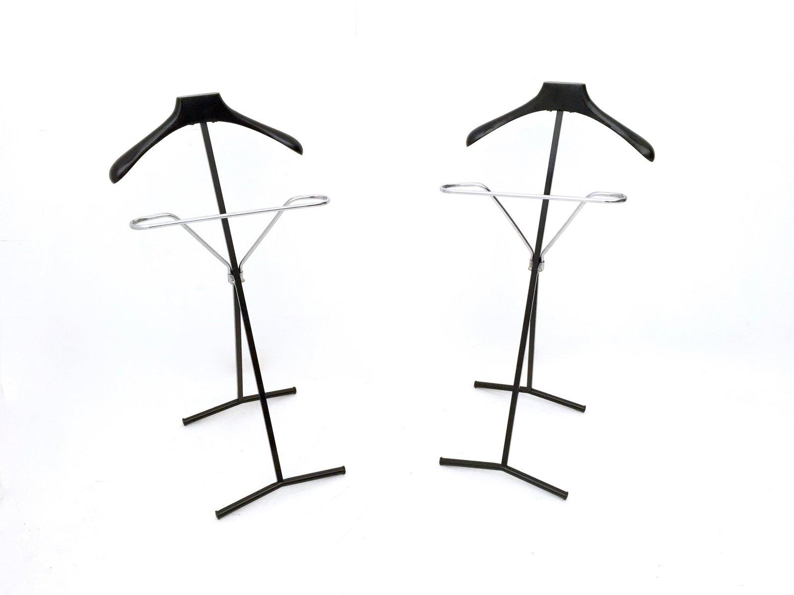 kleiderst nder aus ebonisierter buche metall 1950er. Black Bedroom Furniture Sets. Home Design Ideas