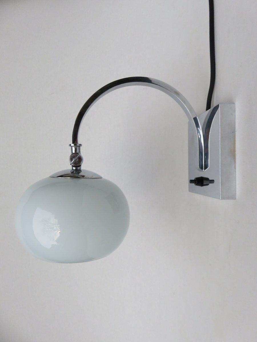 kleine verchromte vintage art deco tischlampe mit. Black Bedroom Furniture Sets. Home Design Ideas