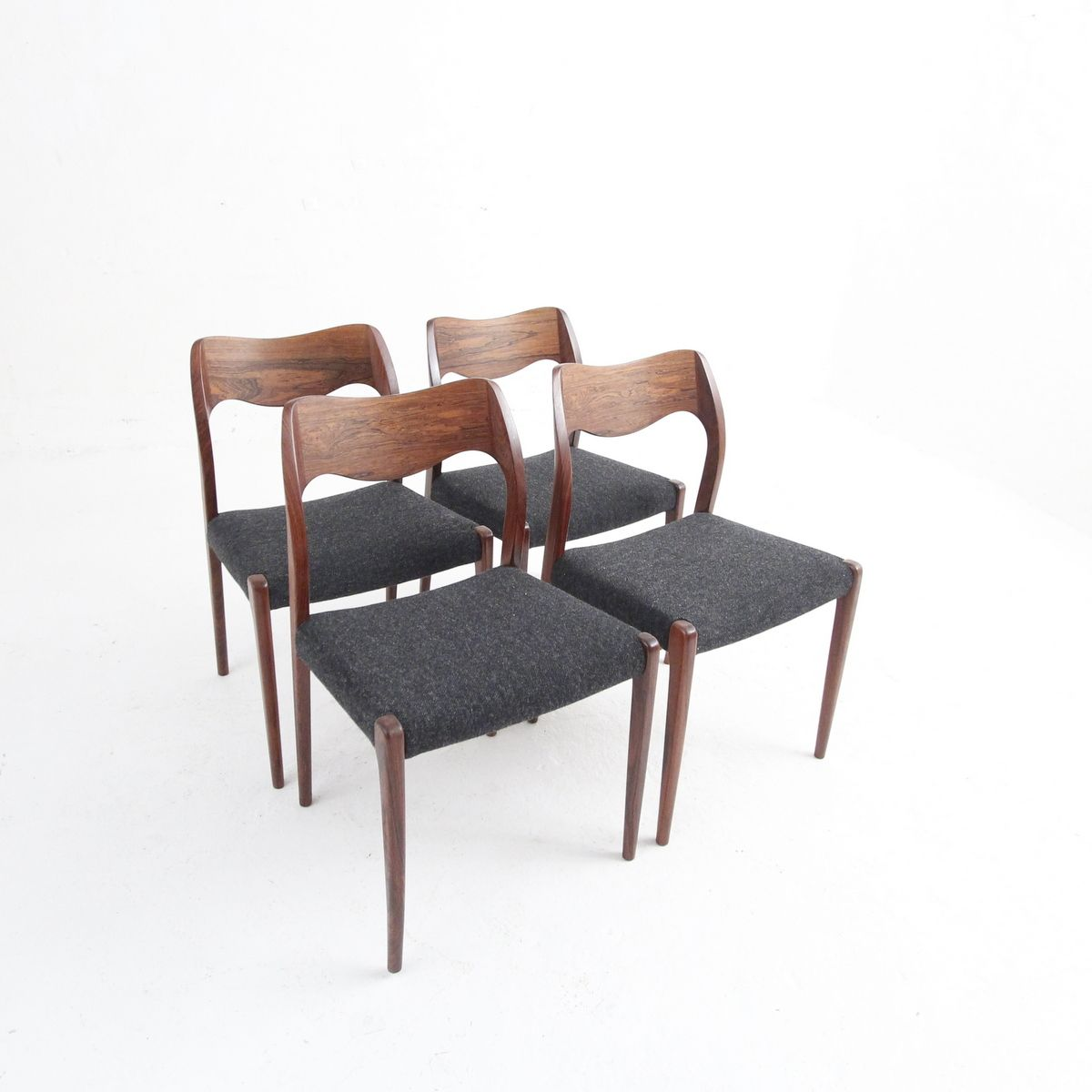 Mid Century Danish Dining Chairs In Rosewood By N O Moller Set Of 4 For Sale At Pamono