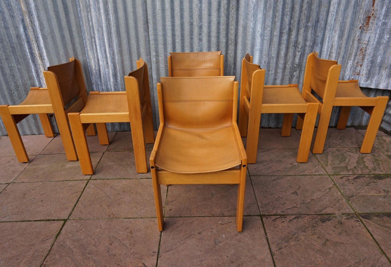 Ibisco Dining Set With 6 Leather Chairs And Extendable