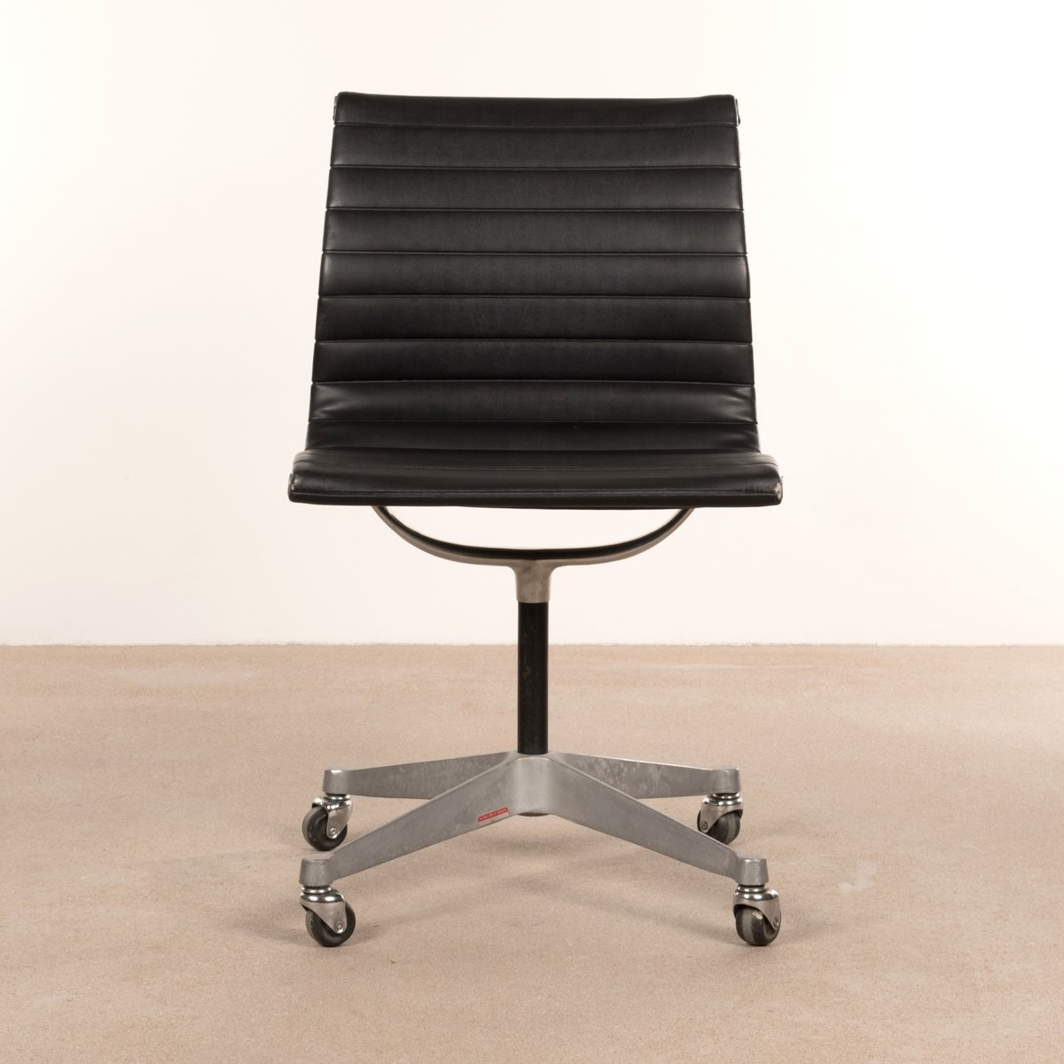 Black Desk Chair By Charles Ray Eames For Herman Miller 1950s Sale At Pamono