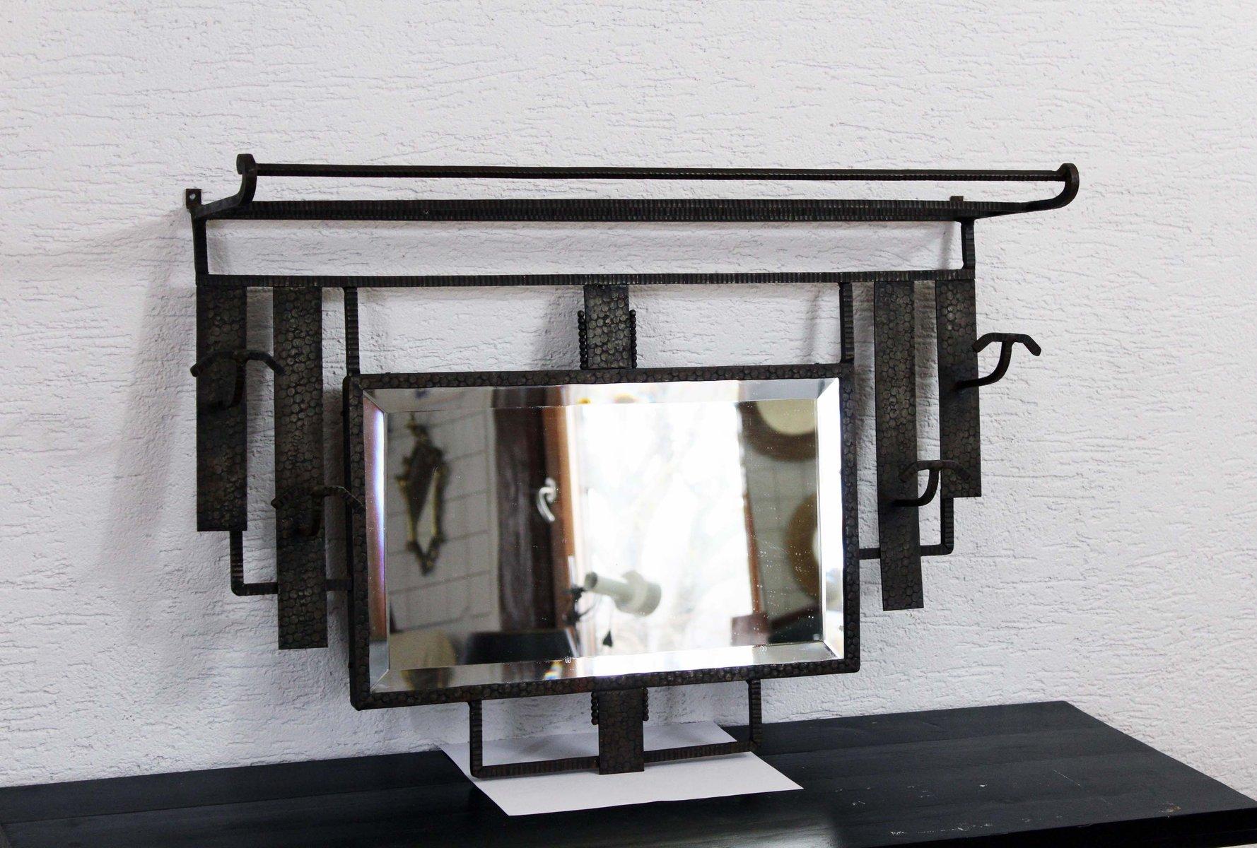 schmiedeeisene vintage garderobe mit spiegel im art deco stil bei pamono kaufen. Black Bedroom Furniture Sets. Home Design Ideas