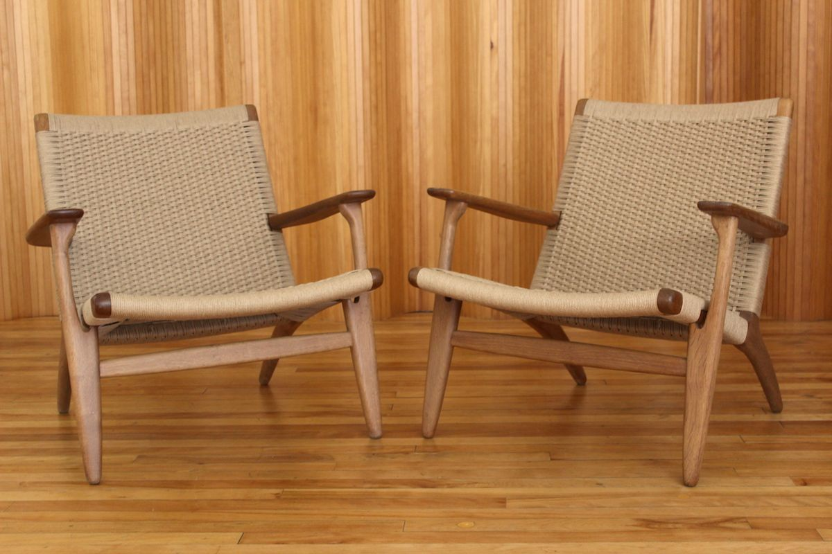 oak model ch25 lounge chairs by hans wegner for carl hansen and son 1950s set of 2 for sale at. Black Bedroom Furniture Sets. Home Design Ideas