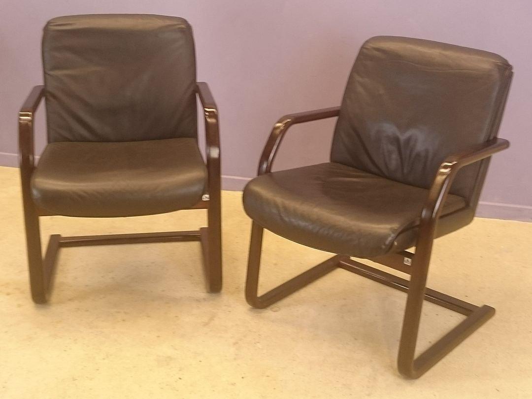 vintage leder sessel 2er set bei pamono kaufen. Black Bedroom Furniture Sets. Home Design Ideas