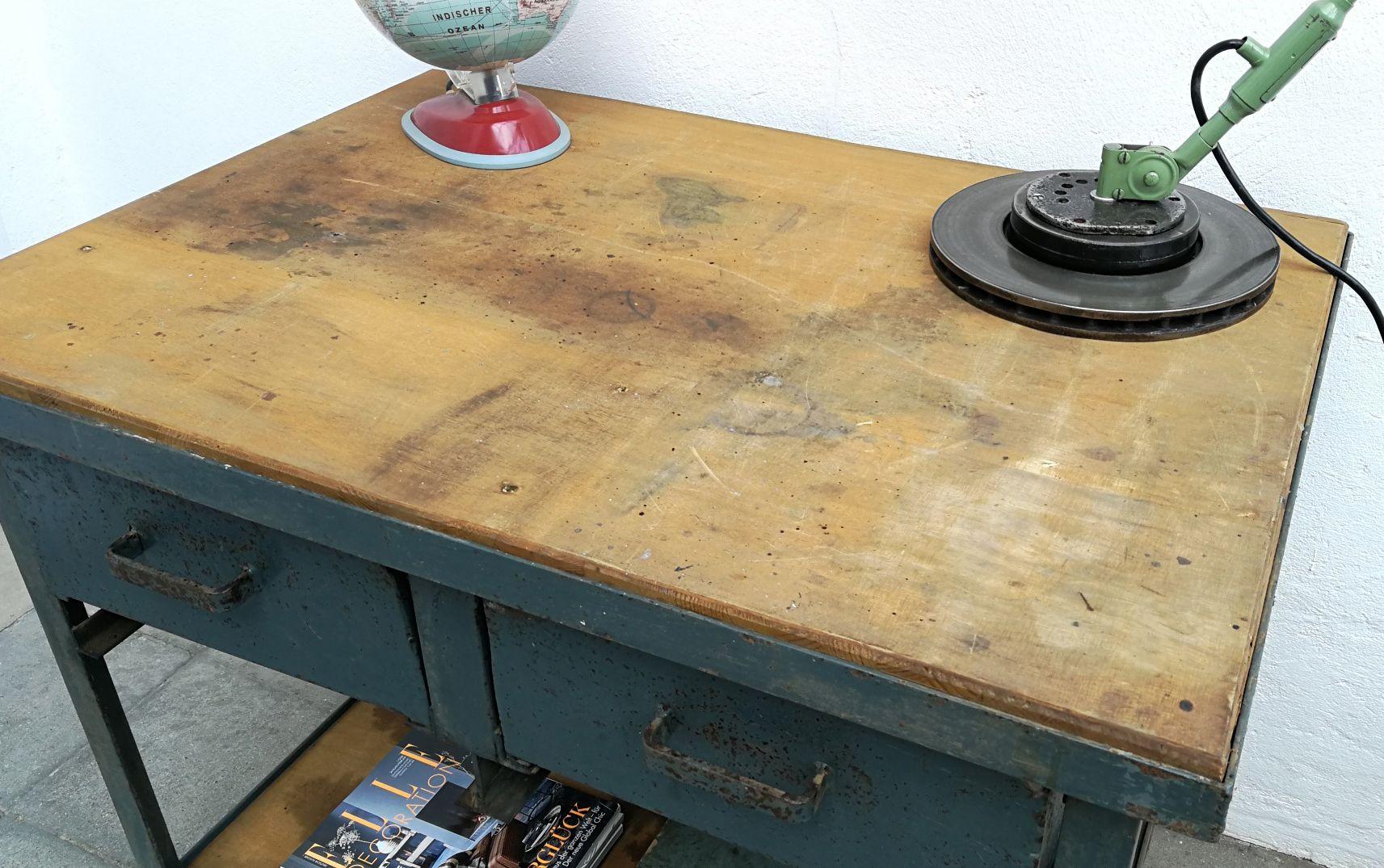 Tavoli Da Lavoro Vintage : Tavolo da lavoro vintage germania in vendita su pamono