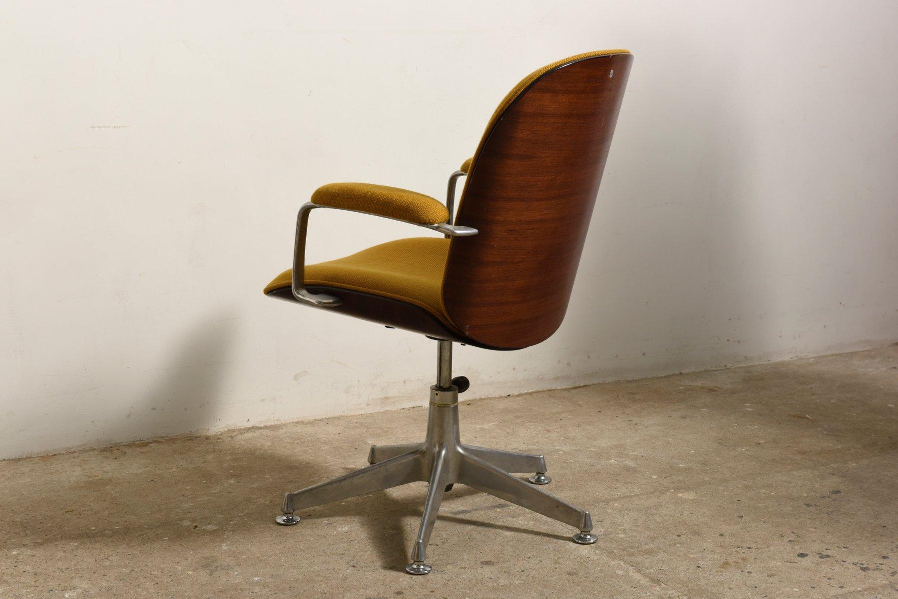 Sedie Girevoli Da Ufficio : Sedia da ufficio girevole terni con braccioli di ico luisa