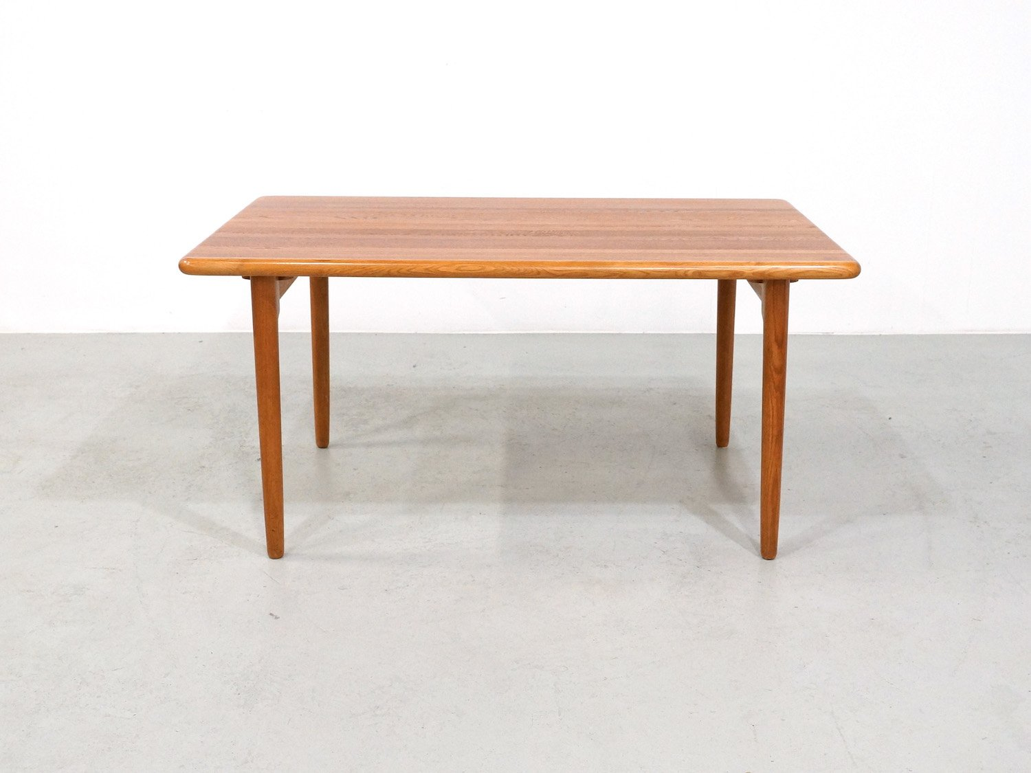 Vintage Model 24A Dining Table in Oak