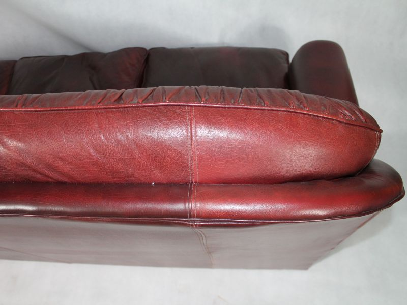Vintage English Leather Chesterfield Living Room Set, 1950s for sale ...
