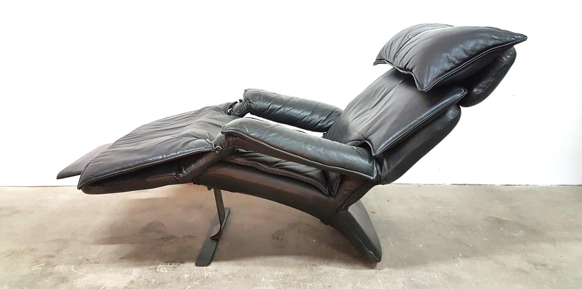 Sillón reclinable modelo Pony de cuero de Percival Lafer, años 80 en ...