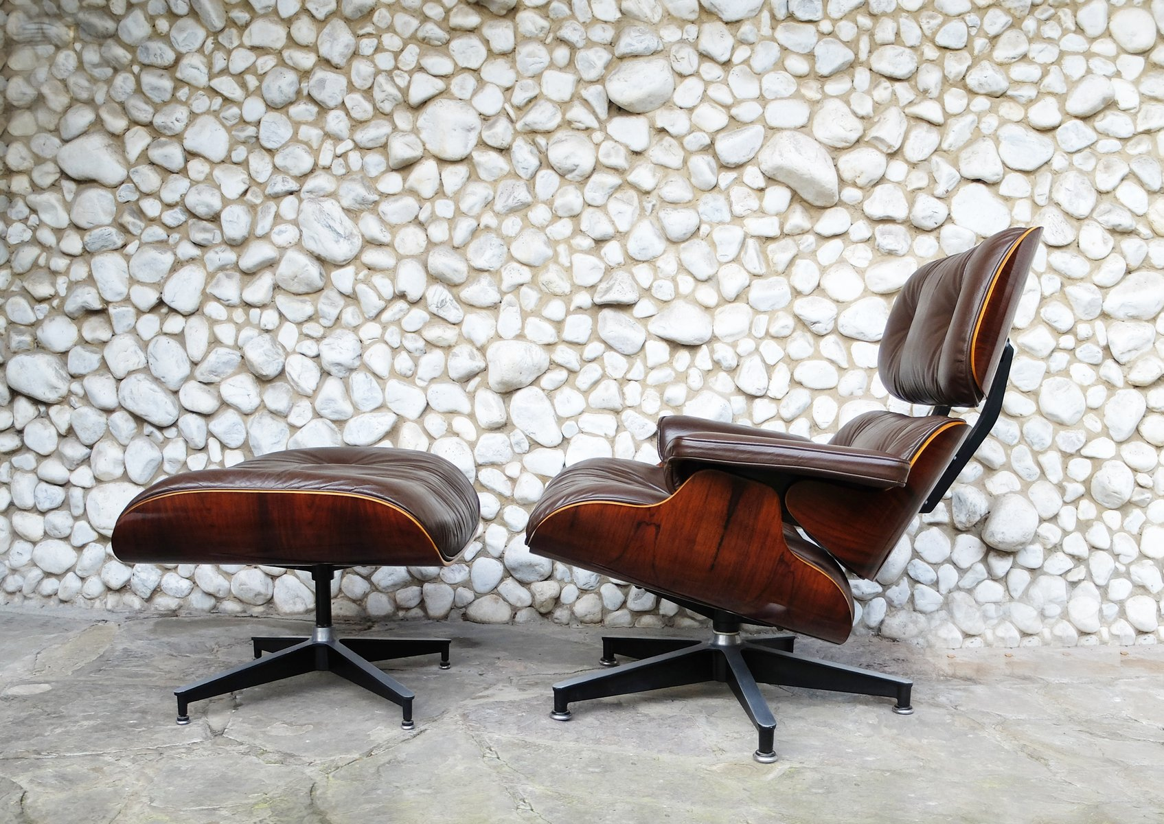 vintage rosewood veneer lounge chair ottoman by charles ray eames for herman miller 1978. Black Bedroom Furniture Sets. Home Design Ideas