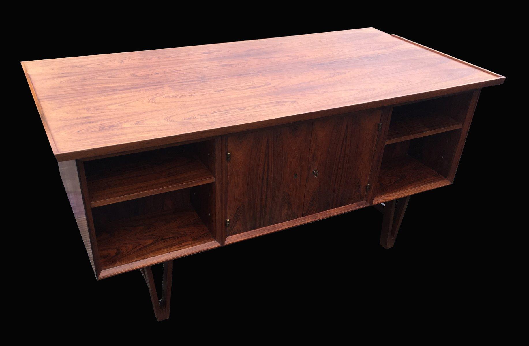 kleiner d nischer palisander schreibtisch 1960er bei pamono kaufen. Black Bedroom Furniture Sets. Home Design Ideas