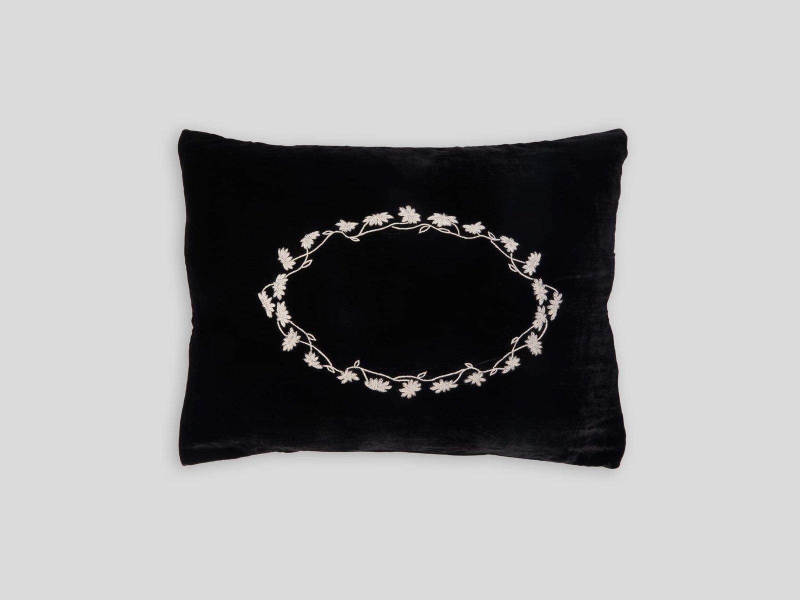 schwarzes louvre kissen von jackie villevoye f r jupe by jackie bei pamono kaufen. Black Bedroom Furniture Sets. Home Design Ideas