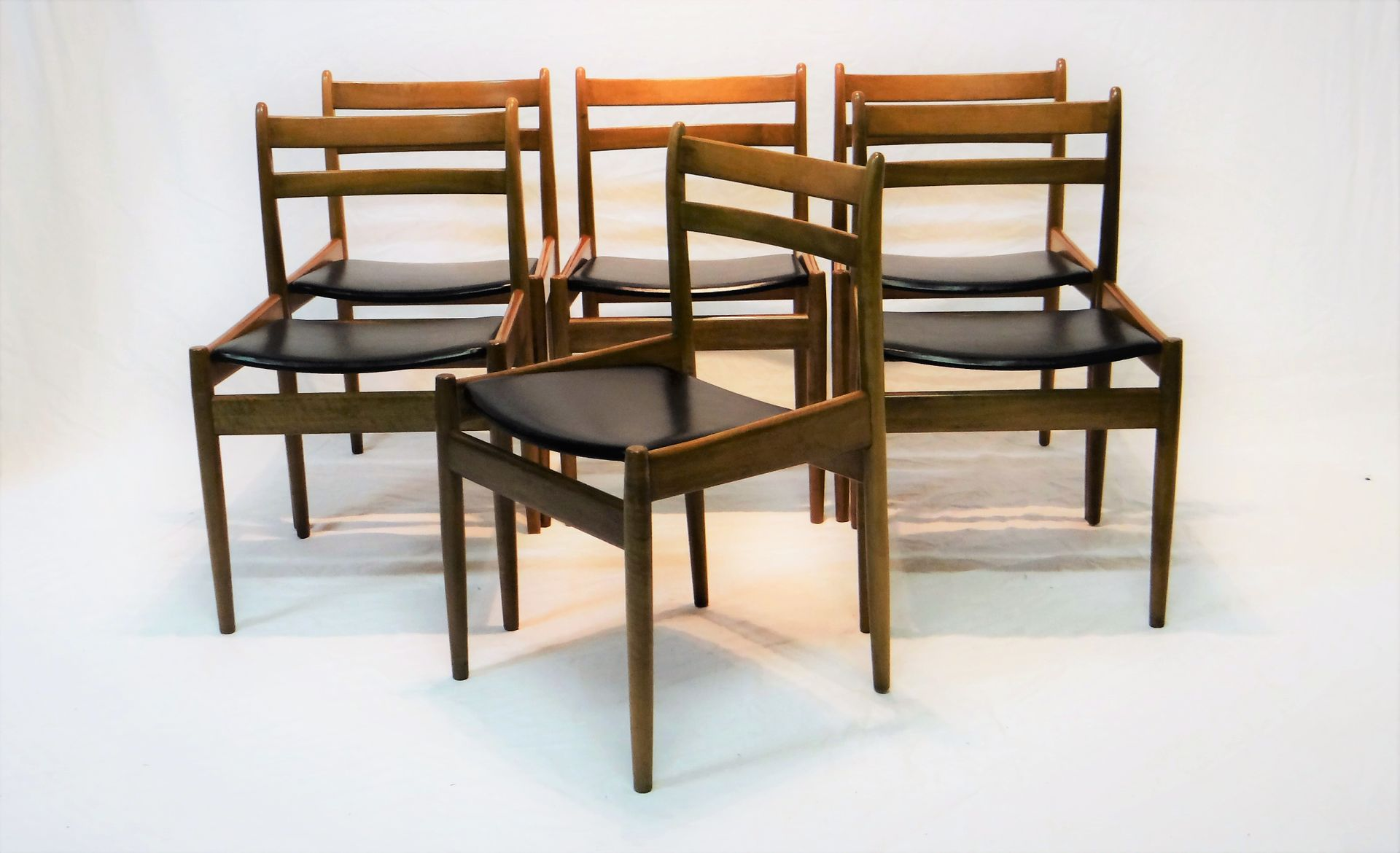 Vintage Stühle vintage stühle aus walnuss jos de mey für den berghe pauvers