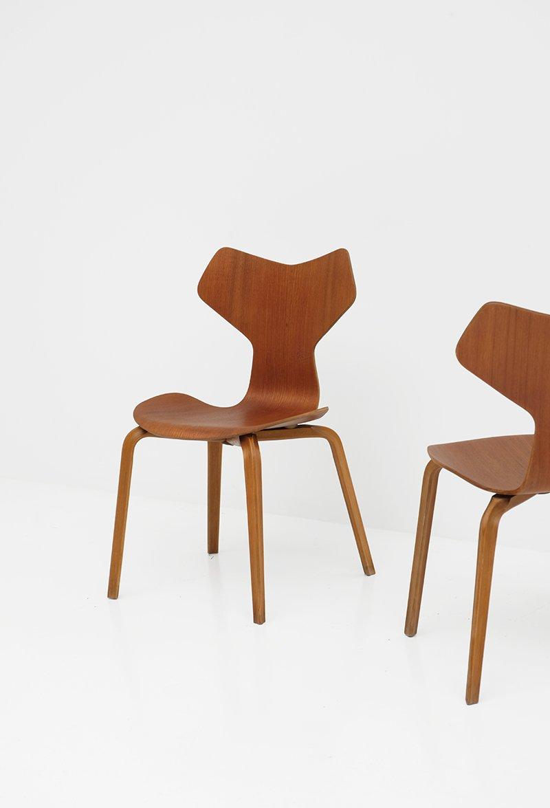 grand prix st hle von arne jacobsen f r fritz hansen 2er set bei pamono kaufen. Black Bedroom Furniture Sets. Home Design Ideas