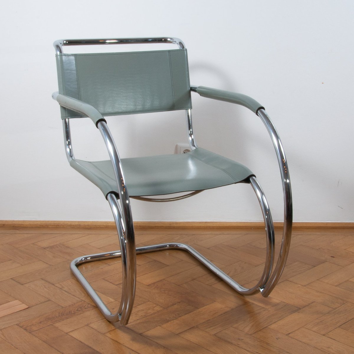 S533 cantilever chair by ludwig mies van der rohe for - Mies van der rohe sedia ...