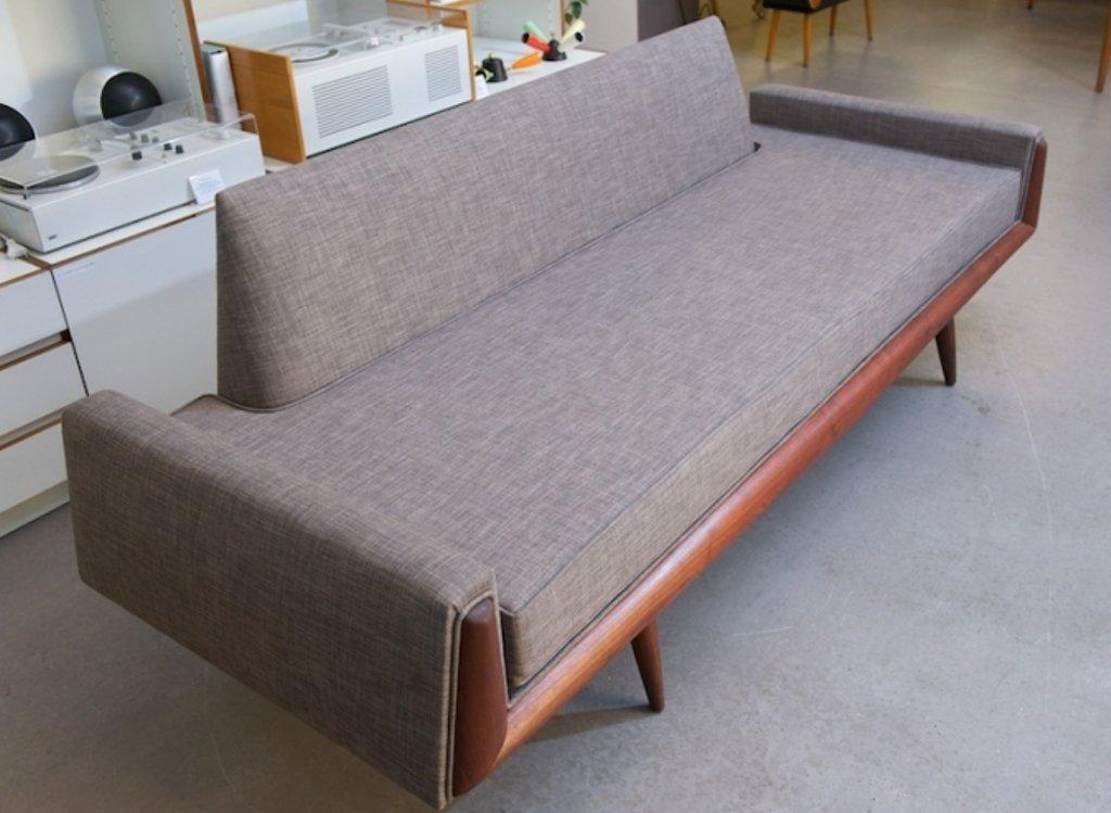 price per piece - Vintage Sofa