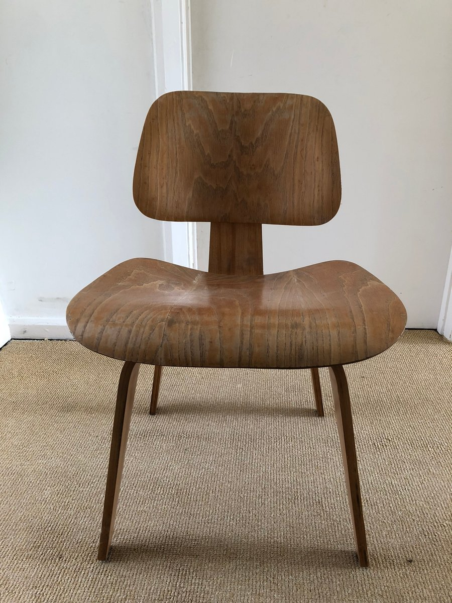 dcw stuhl von charles ray eames f r evans 1950er bei pamono kaufen. Black Bedroom Furniture Sets. Home Design Ideas