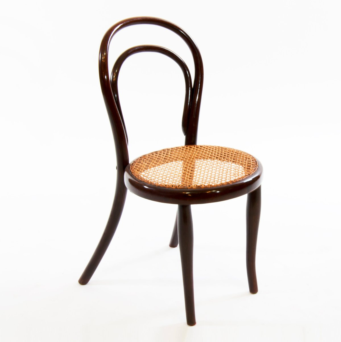 antique no 1 child bentwood chair from thonet for sale at. Black Bedroom Furniture Sets. Home Design Ideas