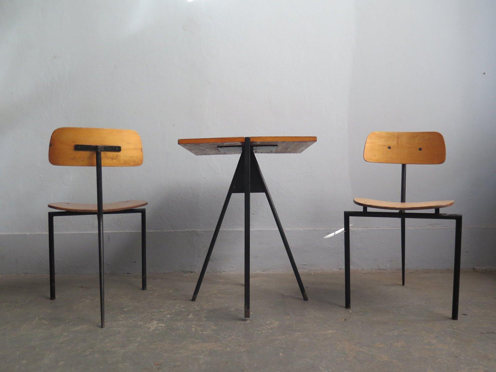 vintage bistrotische zwei st hle 1980er bei pamono kaufen. Black Bedroom Furniture Sets. Home Design Ideas